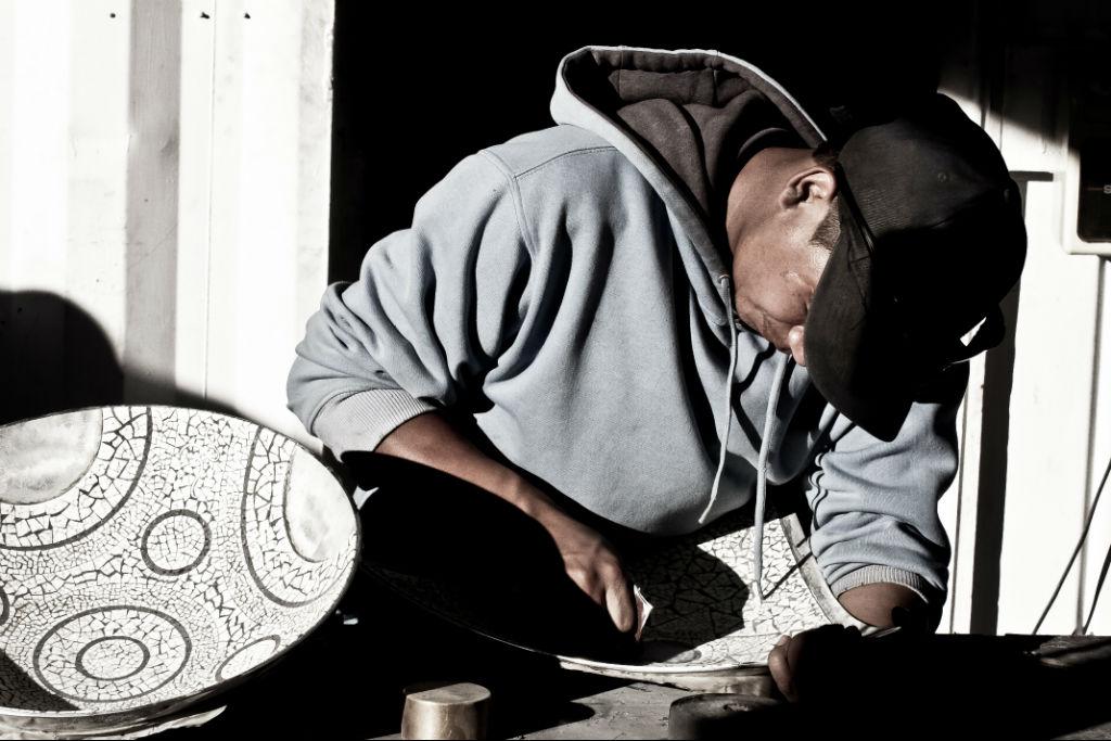 Herstellung einer AVOOVA Schale in der Produktionsstätte in Klein Karoo Südafrika